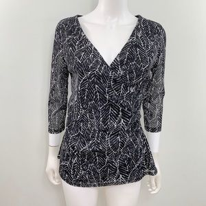 ColdwTer Creek v Neck Blouse